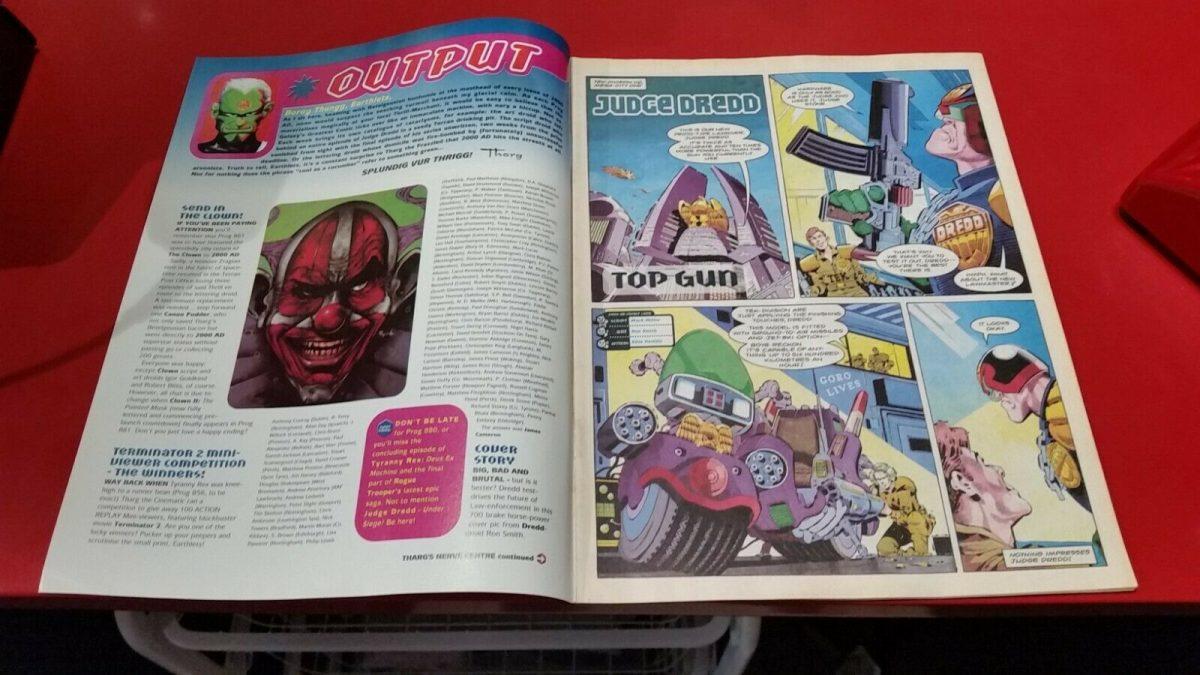 Judge-Dredd-2000AD-comic-book-879-18-MAR-1994-362707545486-2