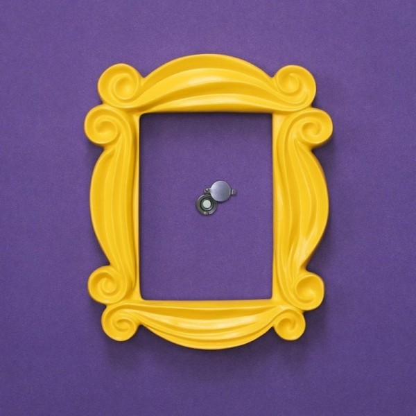yellow-friends-frame-from-always-fits